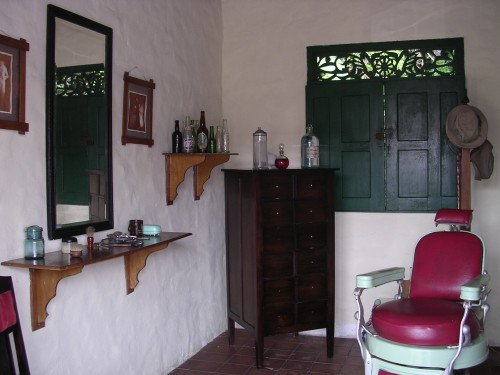 recreation_of_traditional_panamanian_barber_shop